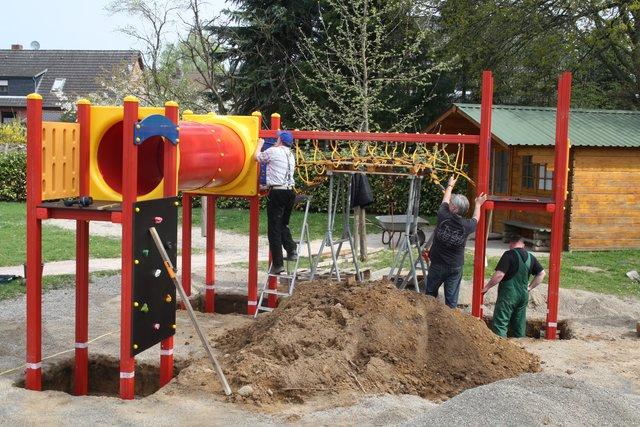 Klettergerüst Kindergarten Outdoor : Wer spendet für ein klettergerüst die kita u eam studio