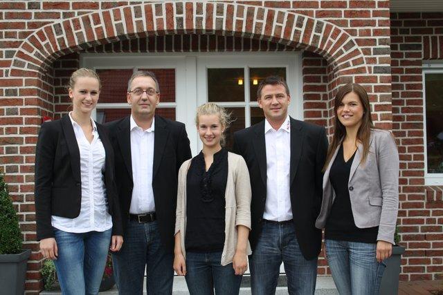 Stehen Als Ansprechpartner Im Blohm Musterhauspark Bereit V Li Nicole