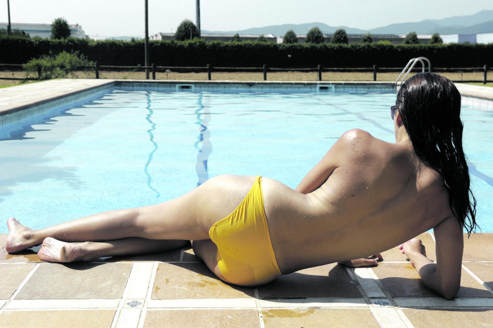 Bikini ohne im frauen oben Oben ohne: