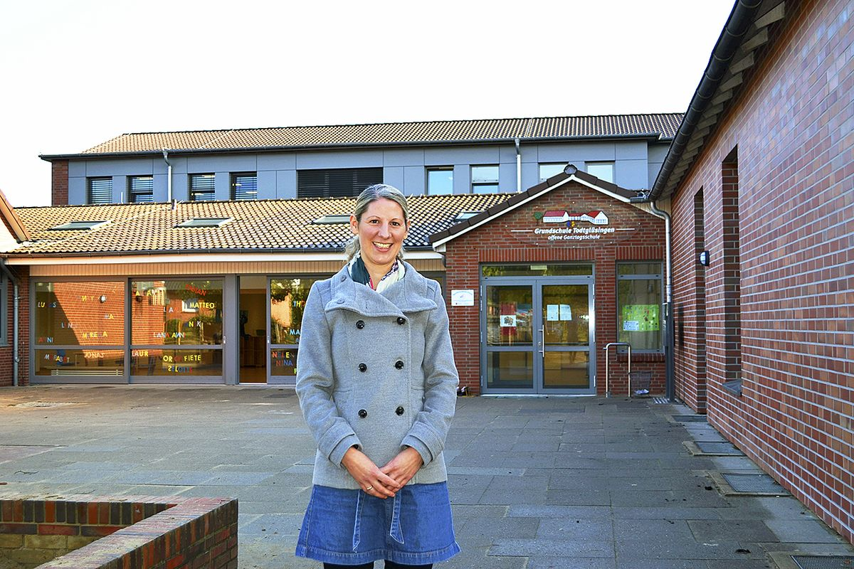 Ilka Malten ist neue Schulleiterin der Grundschule Todtglüsingen, die zur Einweihung der neuen Räume einlädt