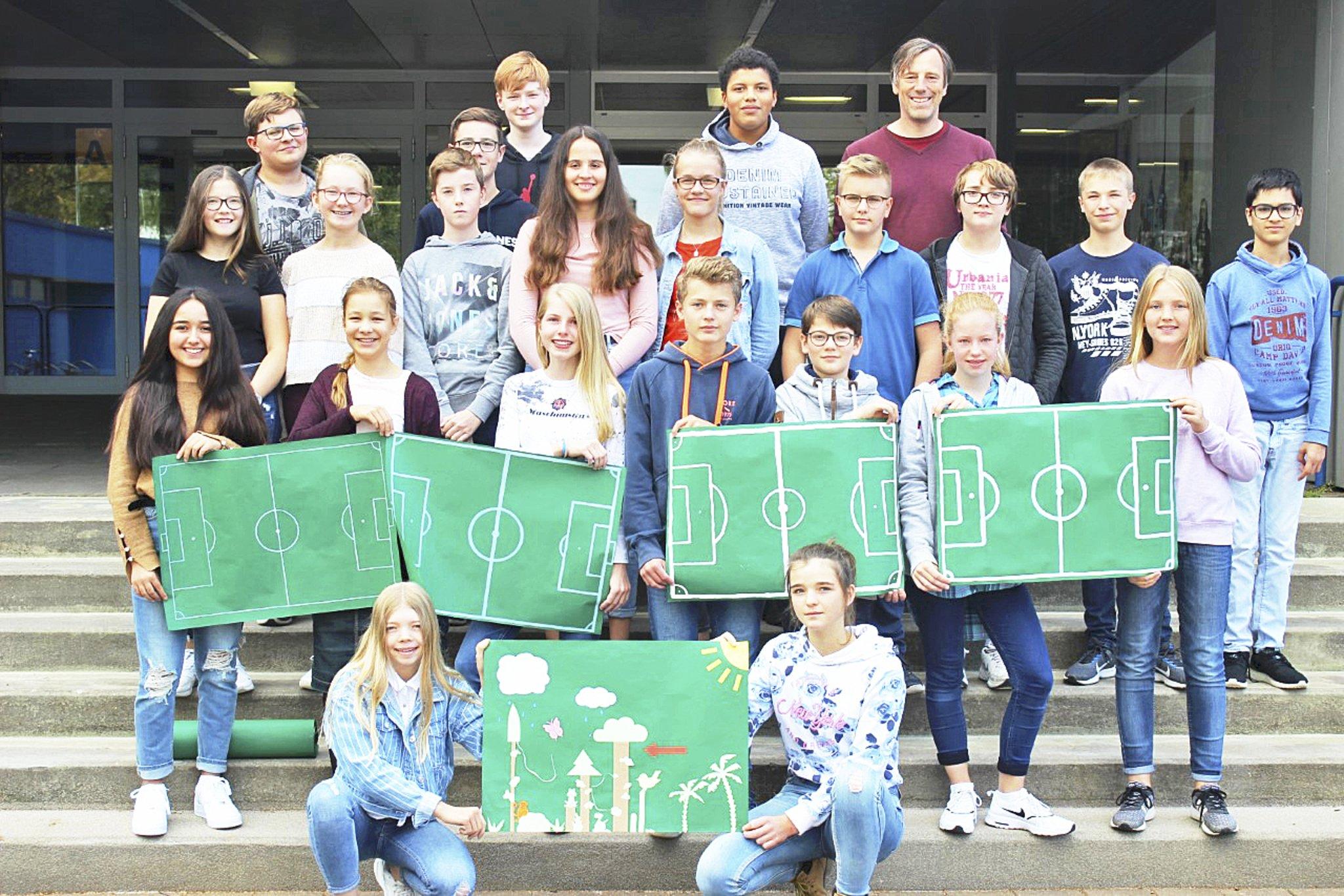 Achtklassler Retten Vier Fussballfelder Regenwald Stade