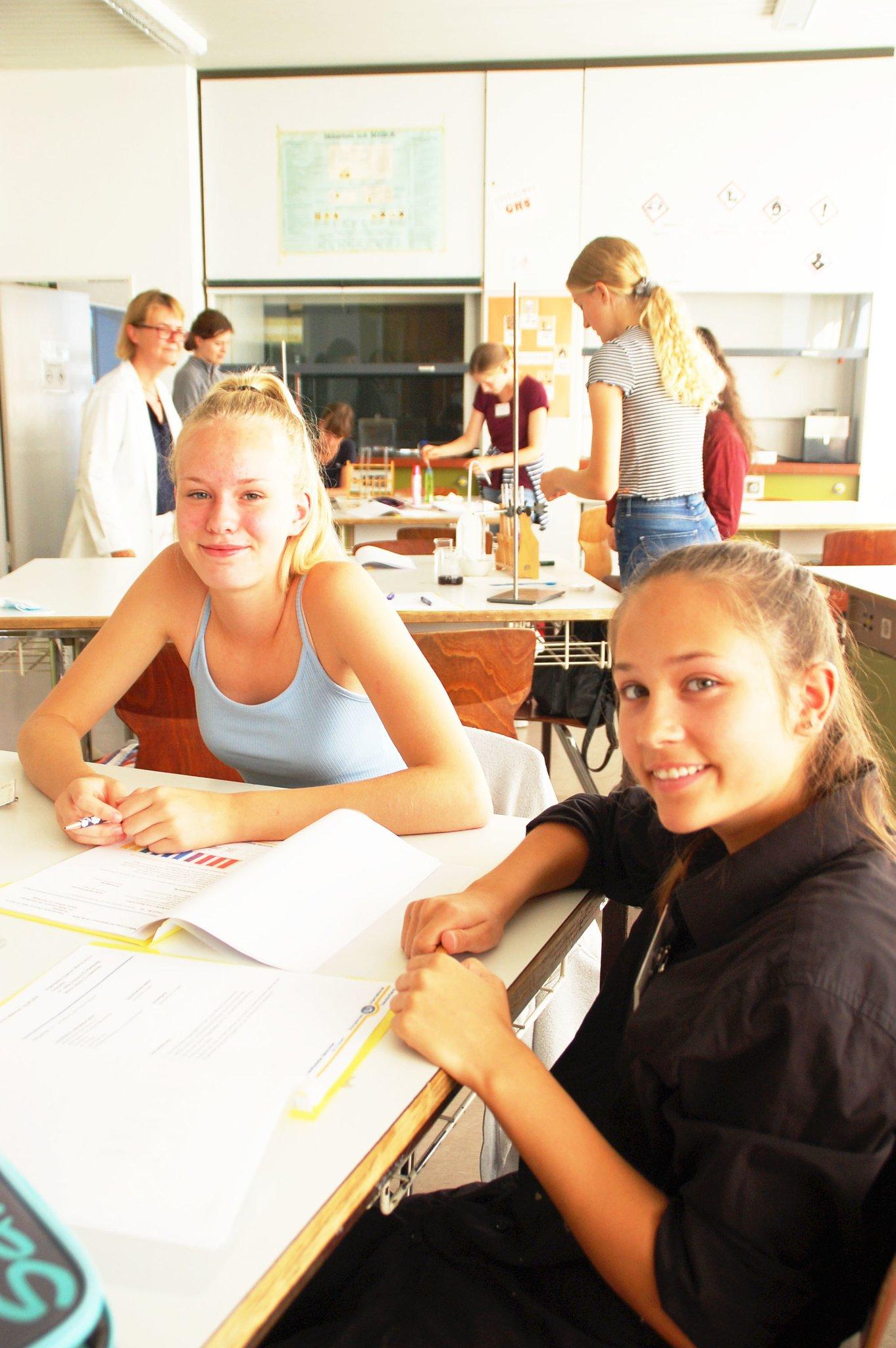 5 Mint Camp Fur Madchen In Buxtehude Schnupper Workshops Begeistern Fur Chemie Und Technik Madchen Mogen Mint Buxtehude