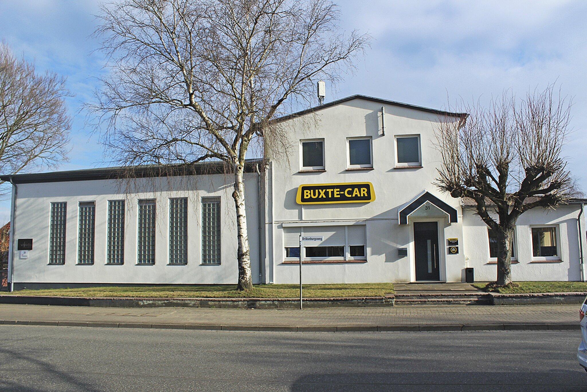 Erfolg mit tollem Team                                                                  Buxte-Car wächst weiter und hat jetzt größere und schönere Räume bezogen