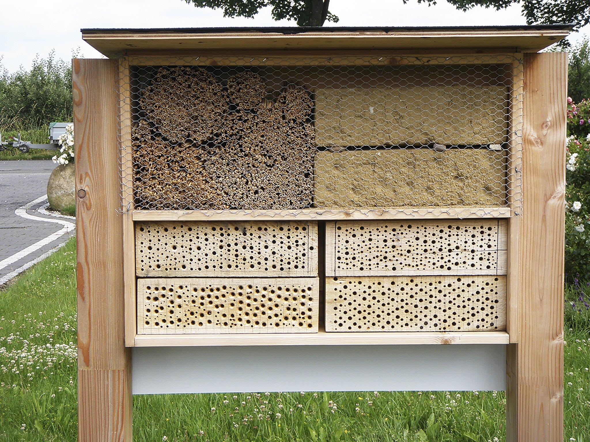 Nachhaltigkeitsserie im WOCHENBLATT                                                                  Mit einem Insektenhotel Wildbienen fördern