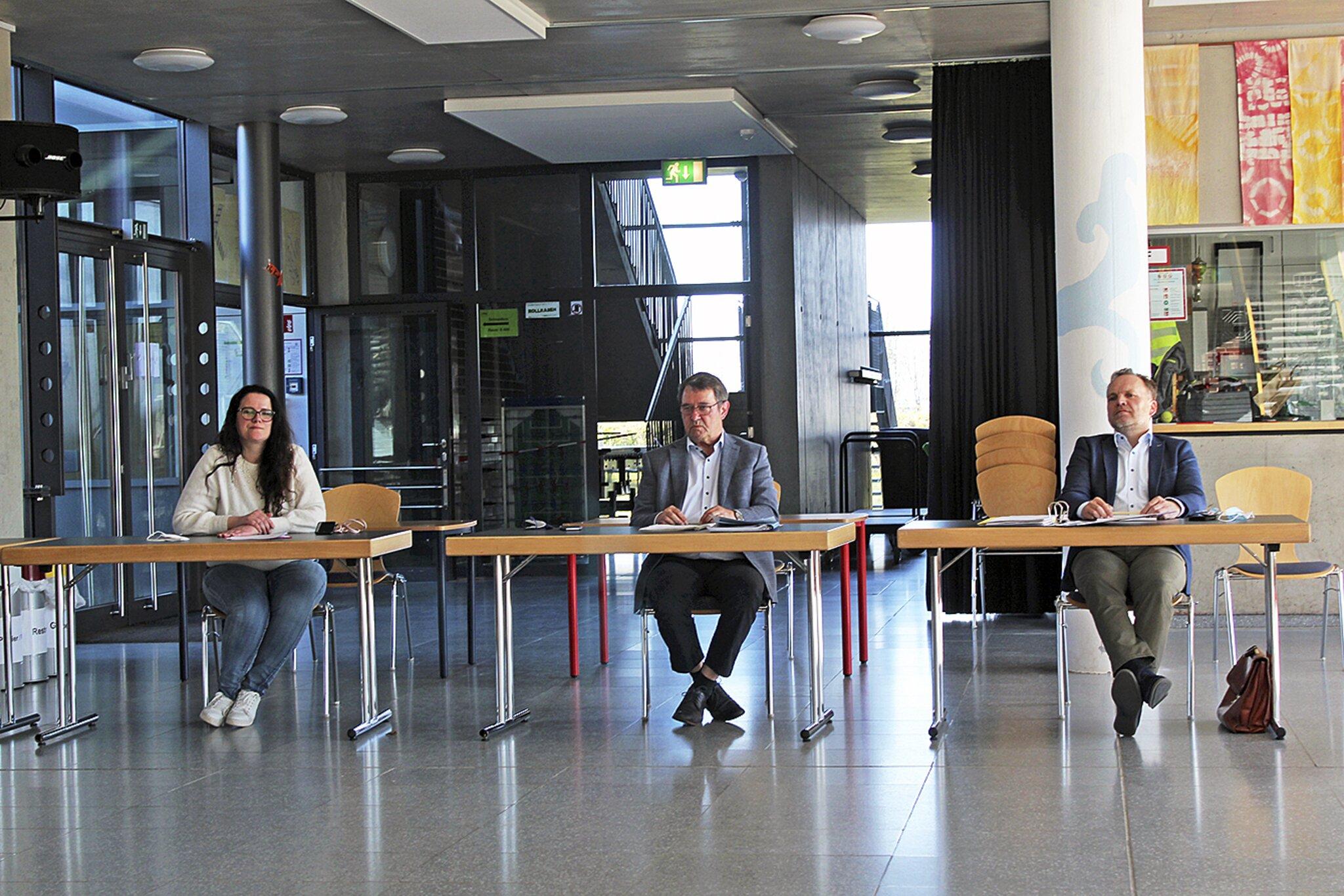 Zumindest Formales geklärt                                                                  Mediation: Vereinbarung zwischen Apenser Samtgemeinderat und -Bürgermeisterin unterschrieben