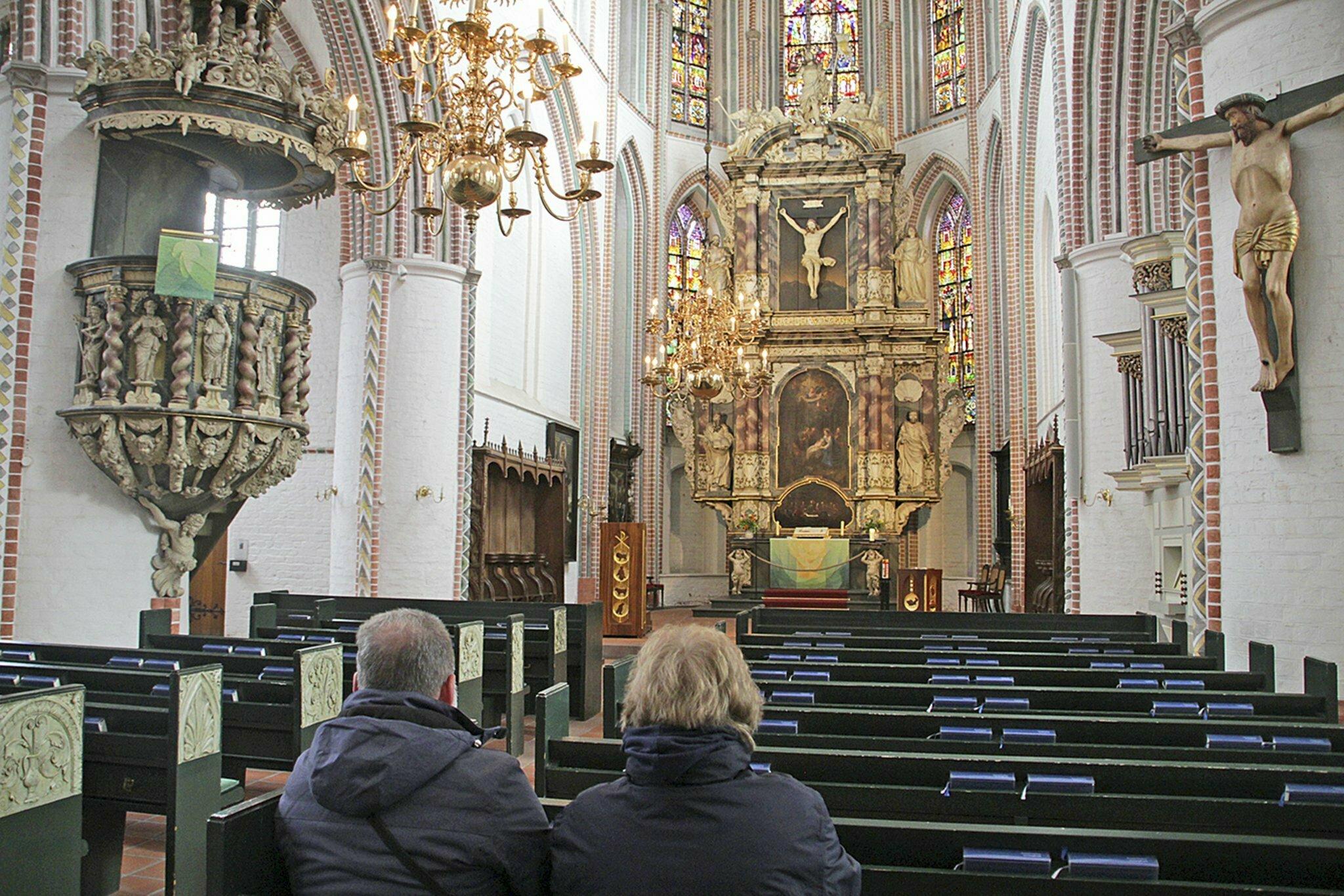 Einsparungen und neue Wege: Interview mit Buxtehudes Superintendent                                                                  Wird für den Gottesdienstbesuch bald Eintritt fällig, Herr Krarup?