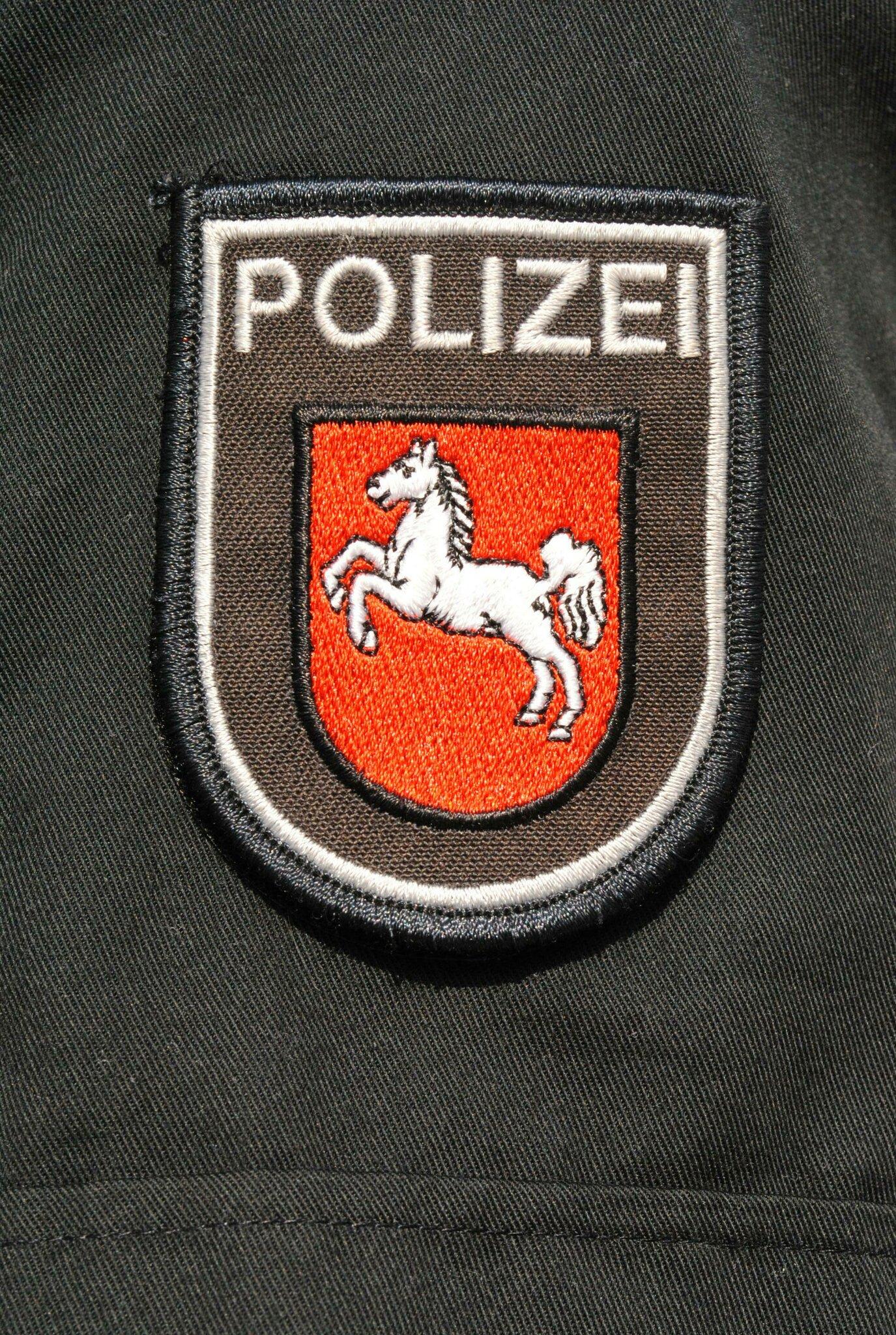 Zwei Jugendliche überfallen                                                                  Messerangriff bei Raubüberfall in Buxtehude