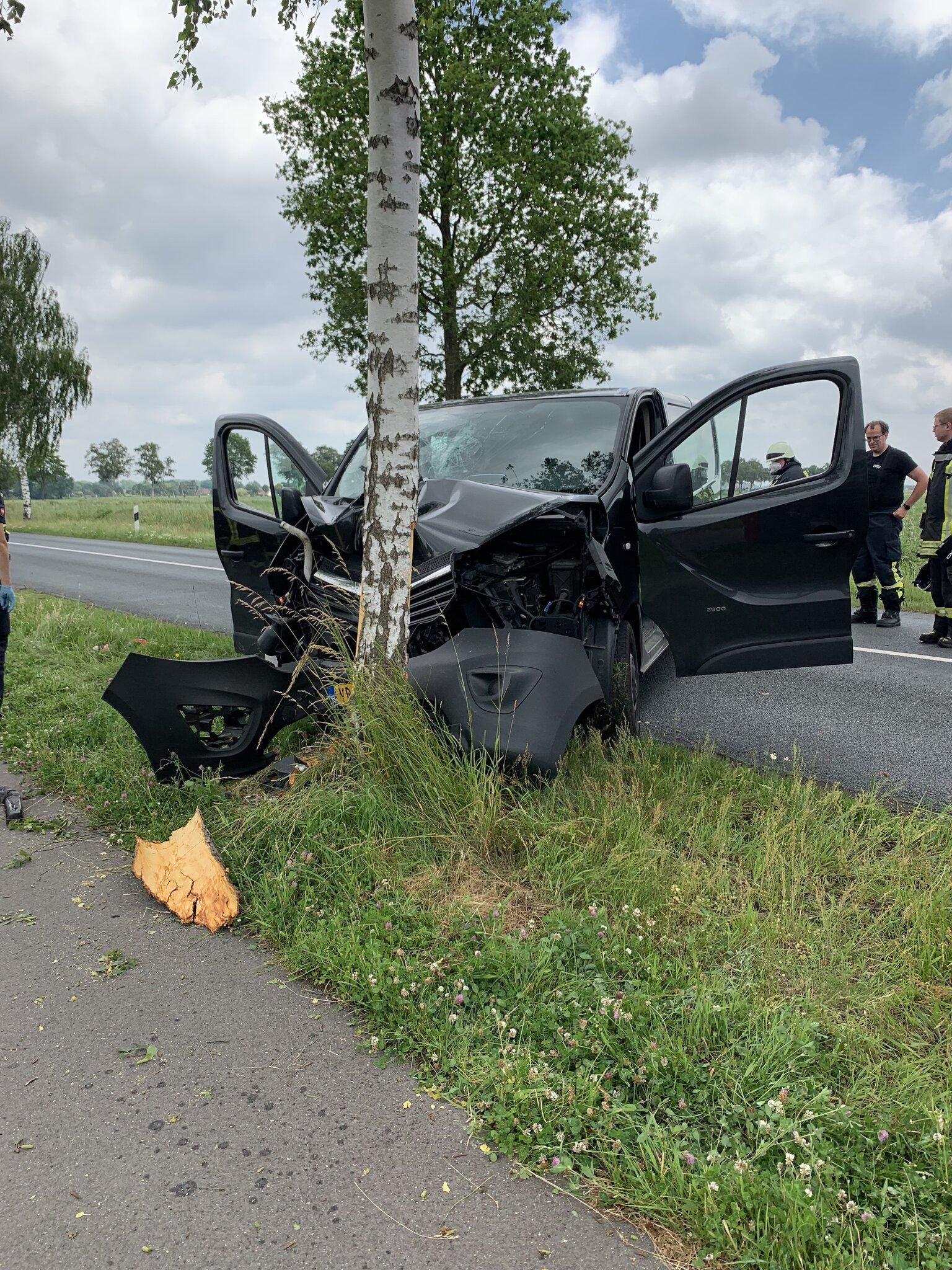 Beifahrer kam schwerverletzt ins Krankenhaus                                                                  Fahrer baut Unfall mit 2,4 Promille