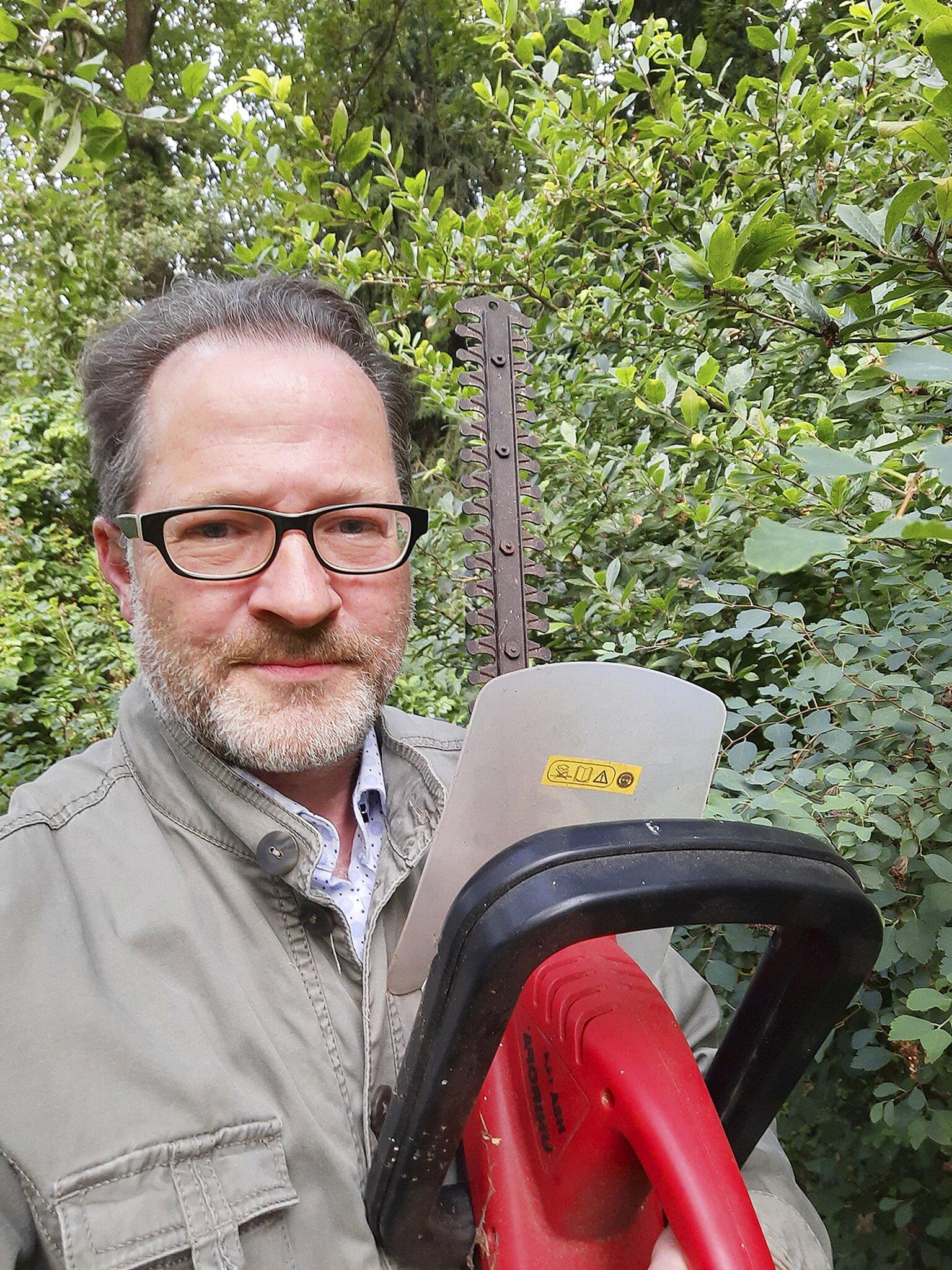 Redaktionsleiter Tom Kreib packt an und ist neugierig auf Ihre Projekte                                                                  Rackern statt Urlaub: Was machen Sie so?