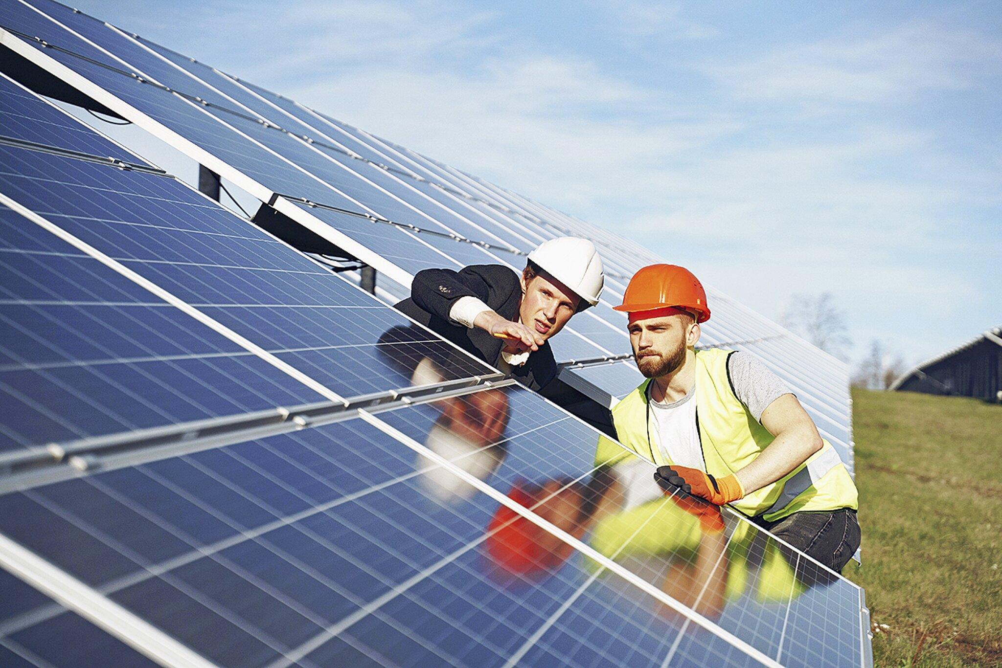 Verbraucherschützer warnen vor Haustürgeschäften mit Photovoltaik                                                                  Abzocke mit der Kraft der Sonne