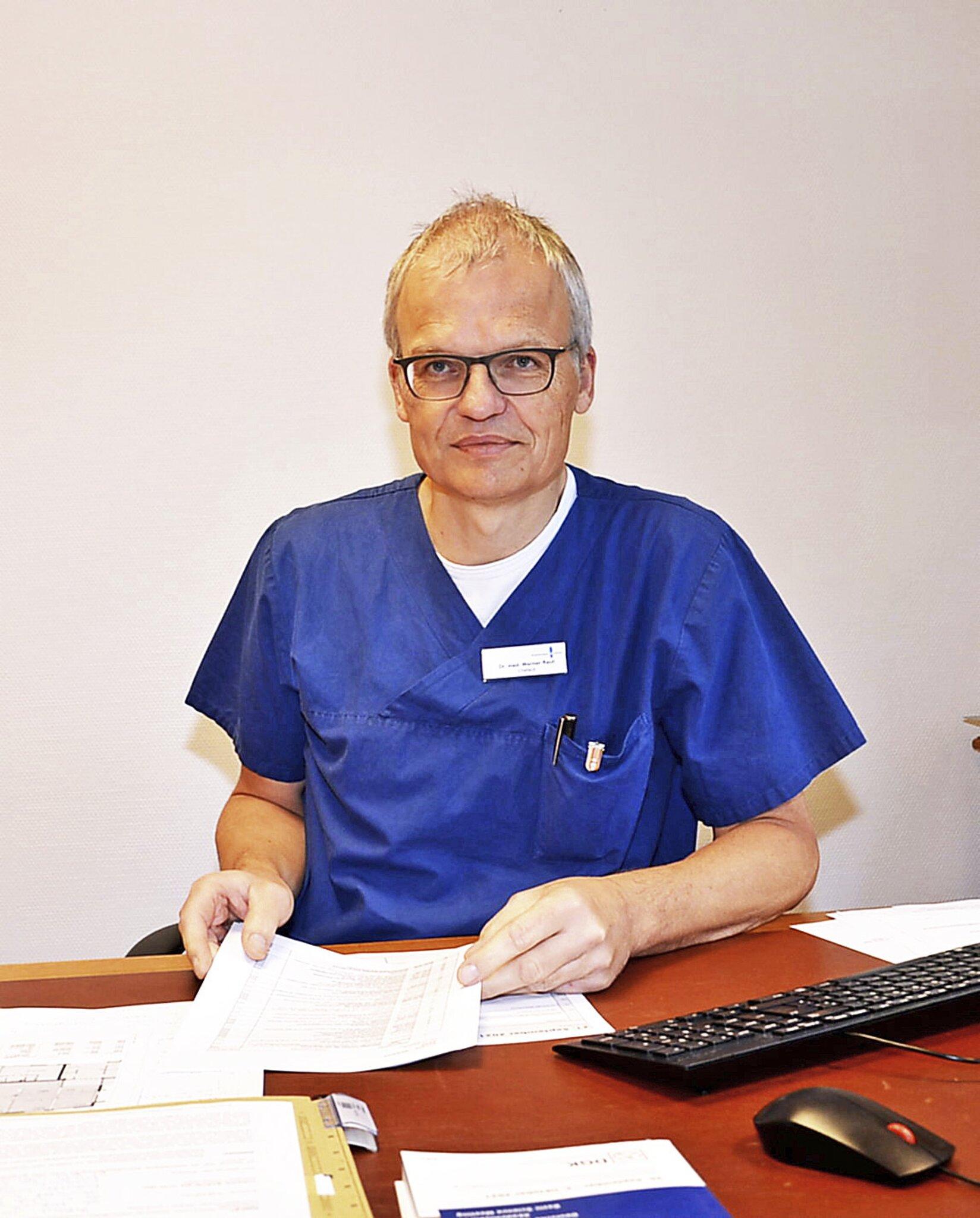 """""""Impfen ist die Übernahme von gesellschaftlicher Verantwortung""""                                                                  Corona-Mythen und Impfung: WOCHENBLATT-Interview mit Dr. Werner Raut vom Krankenhaus Buchholz"""